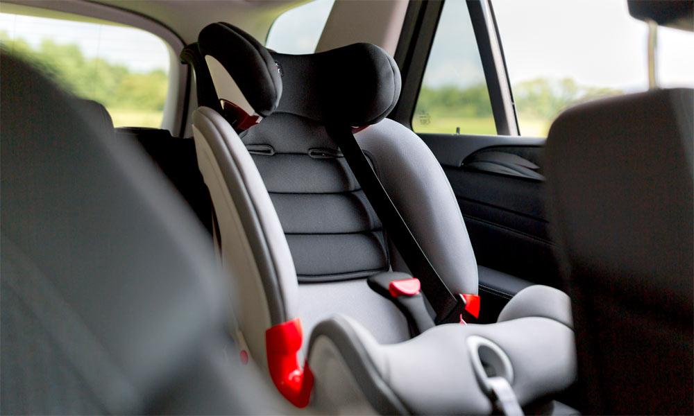 Как выбрать автомобильное детское кресло