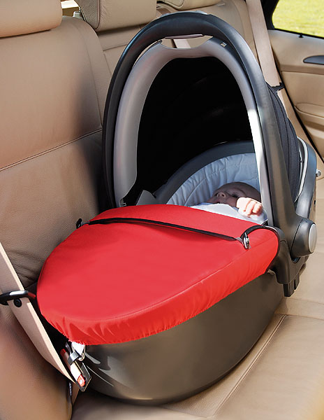 britax r mer baby safe sleeper. Black Bedroom Furniture Sets. Home Design Ideas
